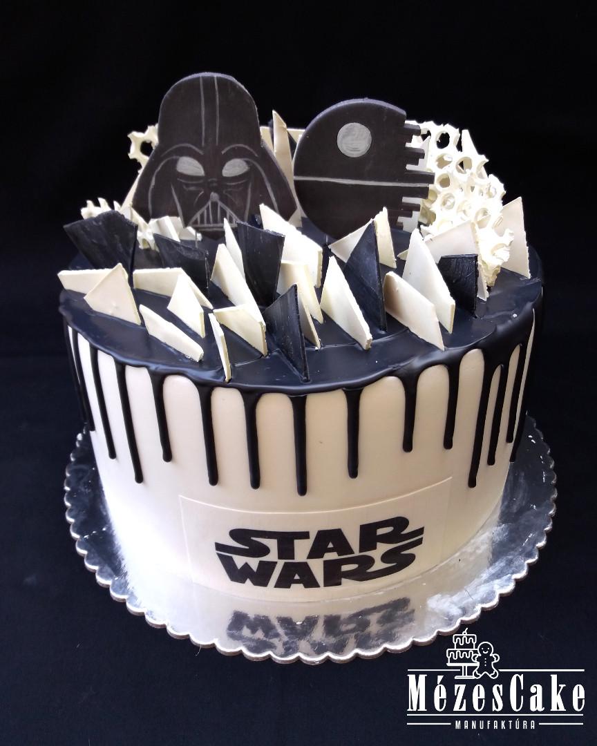 Star Wars torta fehér és sötét csoki díszekkel